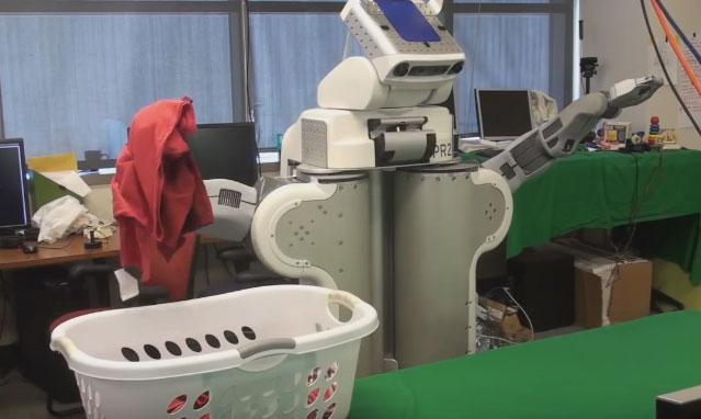 Autonomous PR2 Robot Doing Laundry - Robotic Gizmos
